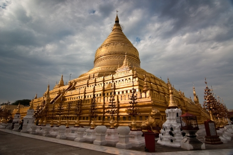 Shwezigon Paya, Nyaung U, Bagan, Myanmar