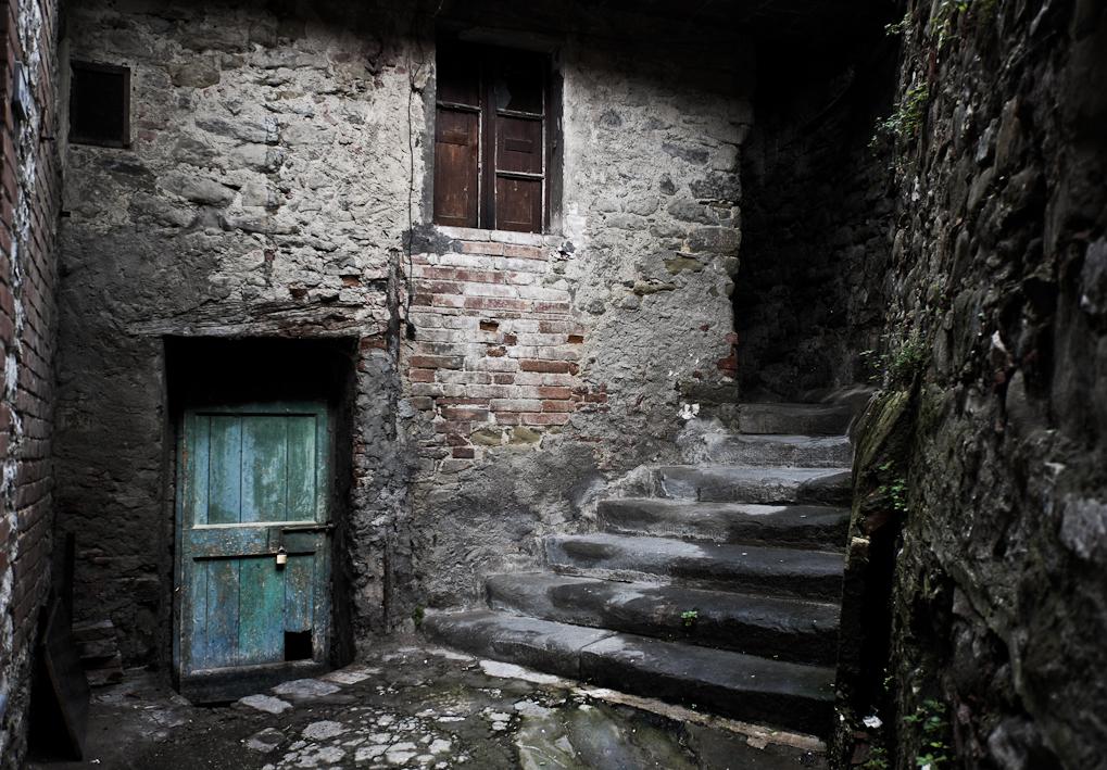 Cuando las calles se tiñen de carmesí Umbria-49