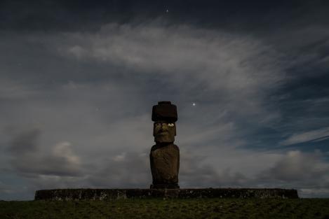 Isla de Pascua Tahai nocturno