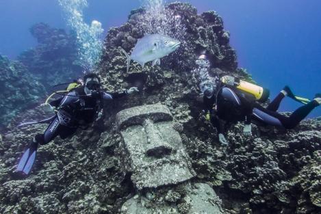 Isla de Pascua inmersión moai