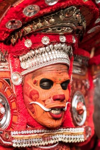 maquillaje Theyyam