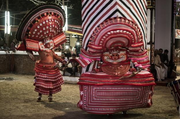 Baile ritual Theyyam india