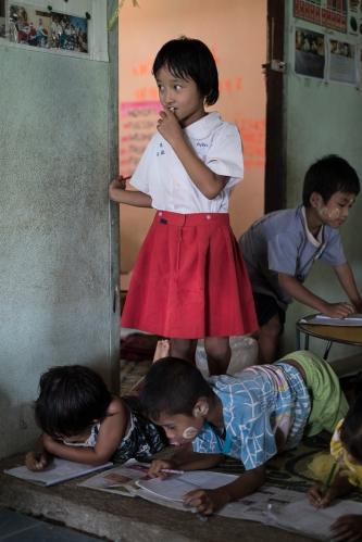 Chicken School Colabora Birmania