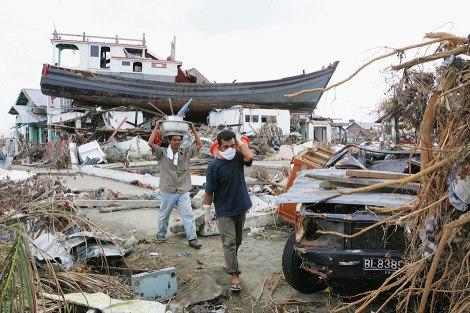 El pesquero días después del tsunami (google images)