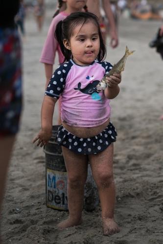Tarde de pesca en Playa Zicatela