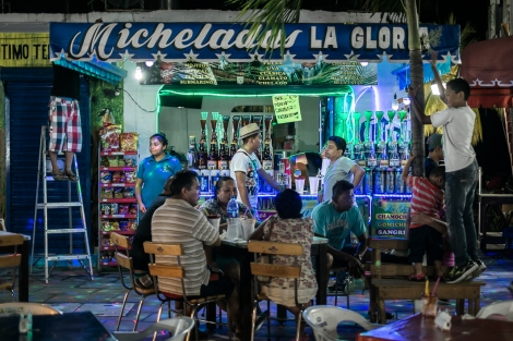 Bar en Puerto Escondido