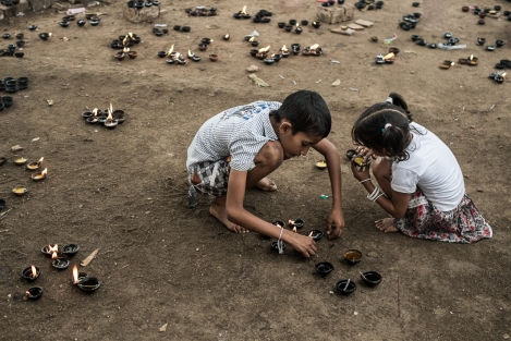 Niños. Kandy, Sri Lanka