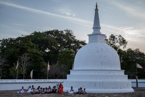 Rezos en Anuradhapura