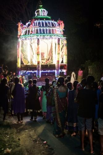 Carroza en una procesión hindú