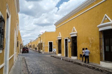 Calle de Izamal