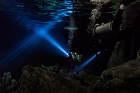 Inmersión en el Cenote Dos Ojos