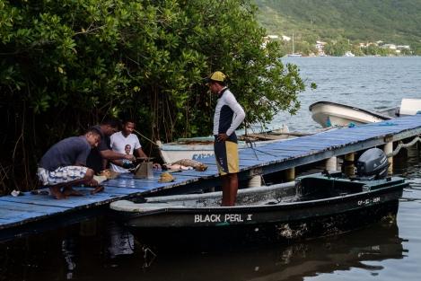 Pescadores en Providencia, Colombia