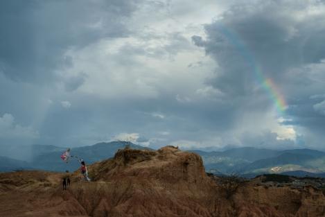 Cometa y arco iris